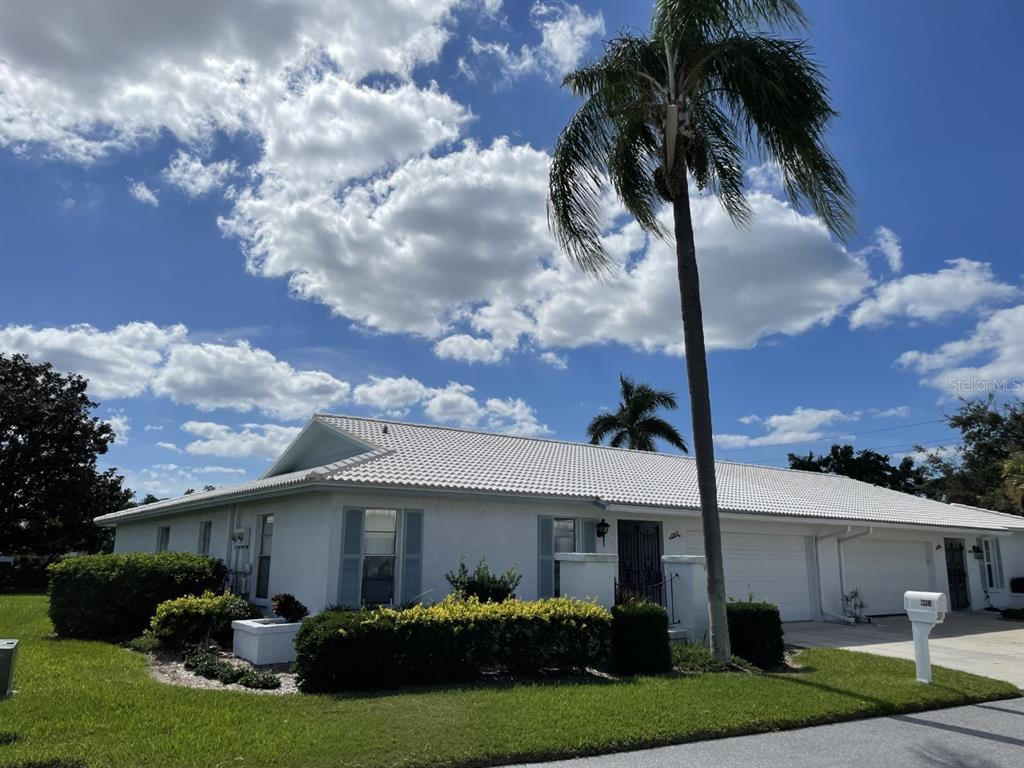 6913 8Th Avenue W, Bradenton, FL 34209