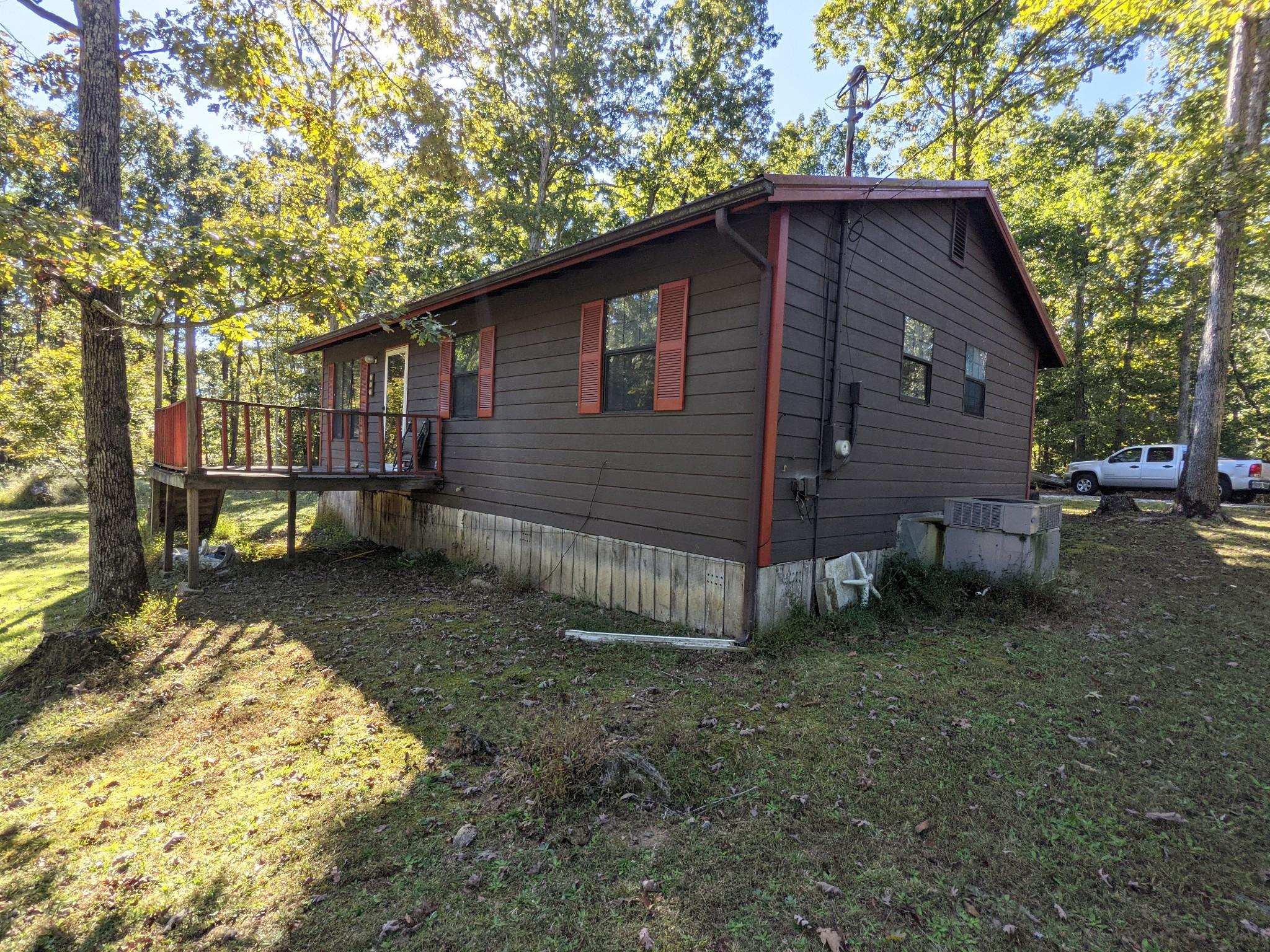 255 Camper Ln, Erin, TN 37061