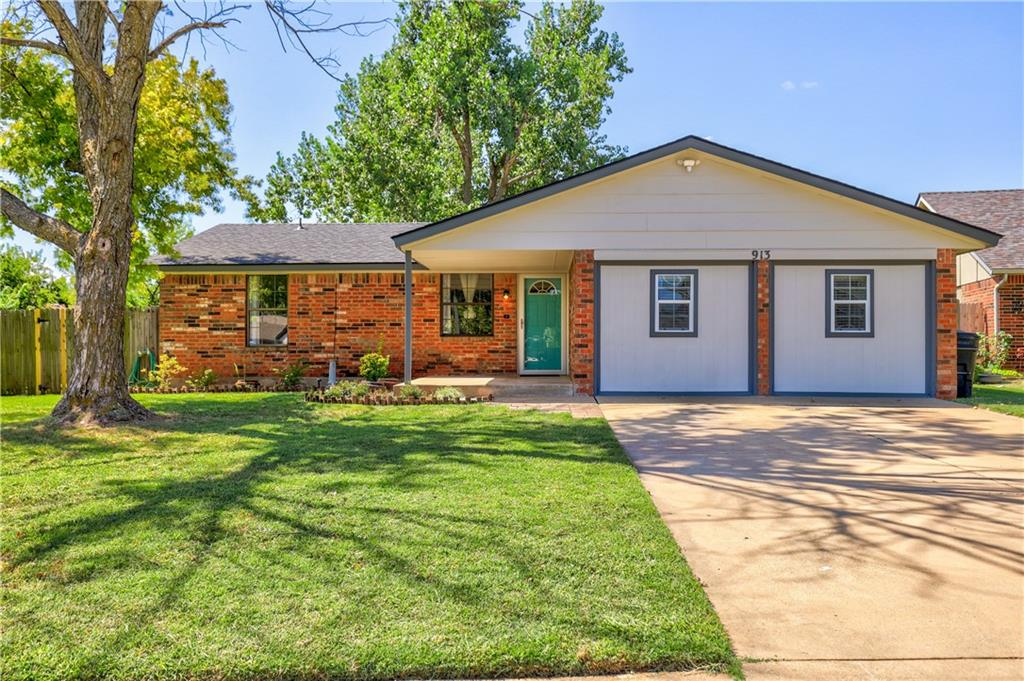 What a great house! It offers 3 bedrooms which one can be used as a second living area that comes with a new flip switch fireplace. Move in ready, wood look tile, wood floors and carpet. new stainless steel refrigerator and microwave. Huge backyard for all your family gathering! Buck Thomas park is walking distance also great for the 4th of July fireworks display that you can watched from your front yard.