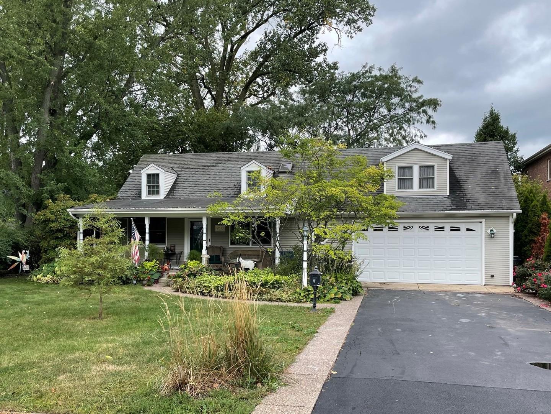 910 Glenshire Road, Glenview, IL 60025