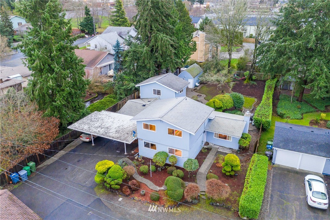 Location, Location, Location.  2,528 Sq Ft of potential. With over a quarter acre of beautifully landscaped property. University Place schools and close to everything. Chambers Bay, Titlow Beach, 6th Avenue and Highway 16 for easy access anywhere.  Detached Shed with flooring, power and heat and potential for mother-in-law or ADU.    Dont miss this opportunity, see the potential!