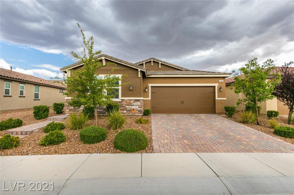 BETTER THAN NEW! ENJOY THIS 2170 SQ. FT SINGLE STORY HOME IN BEAUTIFUL INSPIRADA! ONLY MINUTES AWAY FROM ALL THE PARKS, CAFE AND FUN! THIS 3 BED/2 BATH COMES WITH STYLISH TILE FLOORS THROUGHOUT LIVING AREAS NO CARPET ANYWHERE. UPGRADED COUNTERS, CABINETS, LIGHTING AND PLUMBING FIXTURES. OVERSIZED LOT WITH PLENTY OF ROOM FOR A POOL OR YOU CAN ENJOY THE MATURE FRUIT TREES. YOU WILL LOVE THE COVERED PATIO, THE OPEN CONCEPT AND THE DEN. BY FAR ONE OF THE BEST FLOOR PLANS IN AREA.