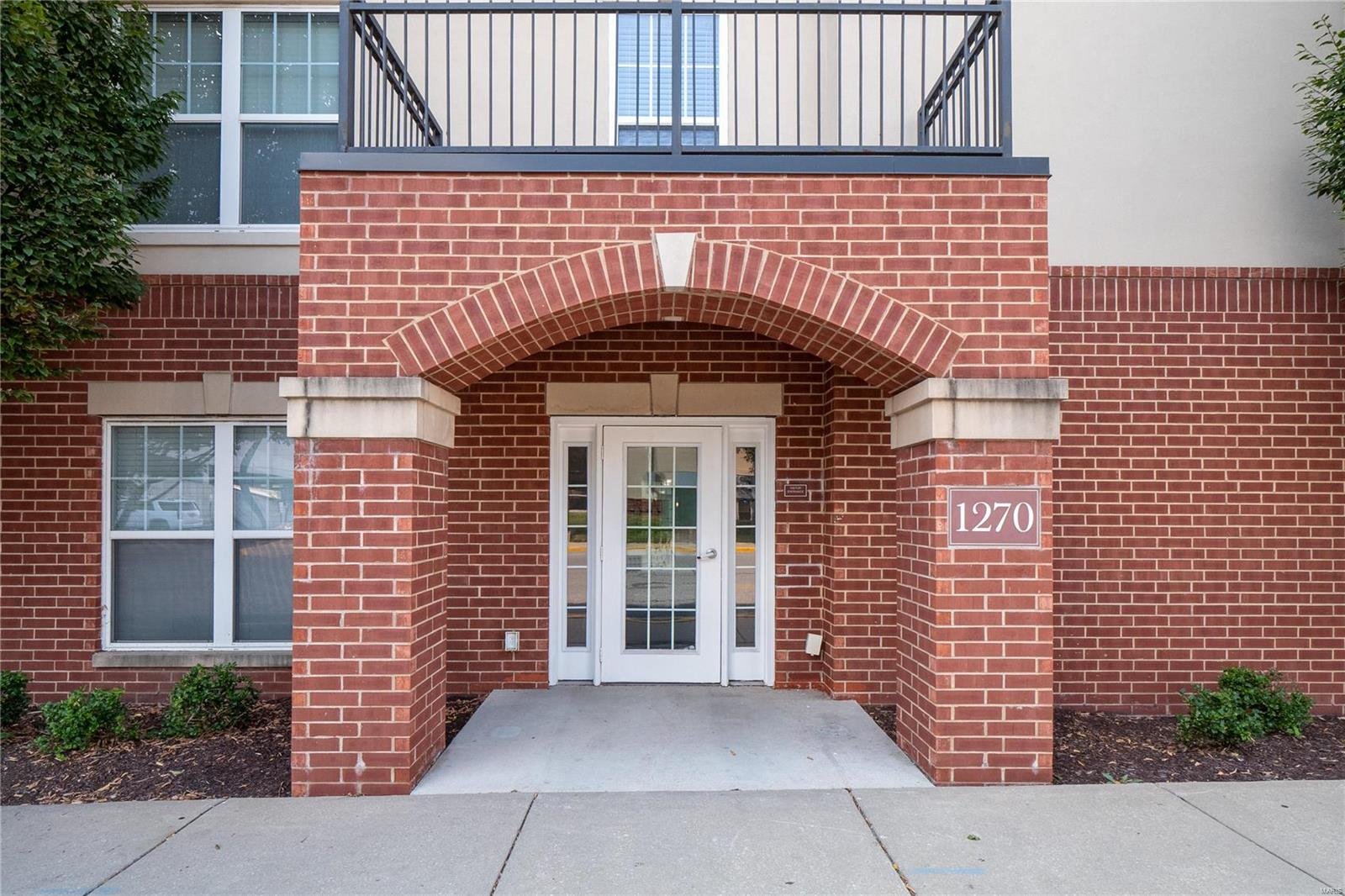1270 Strassner Drive 3311, Brentwood, MO 63144