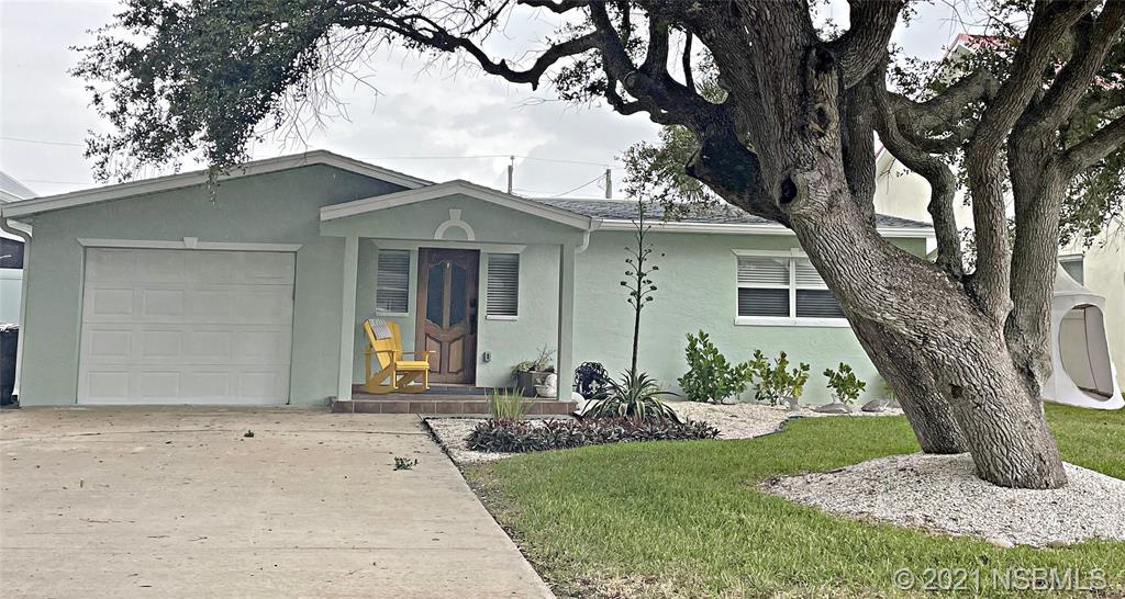 820 E 26th Avenue, New Smyrna Beach, FL 32169