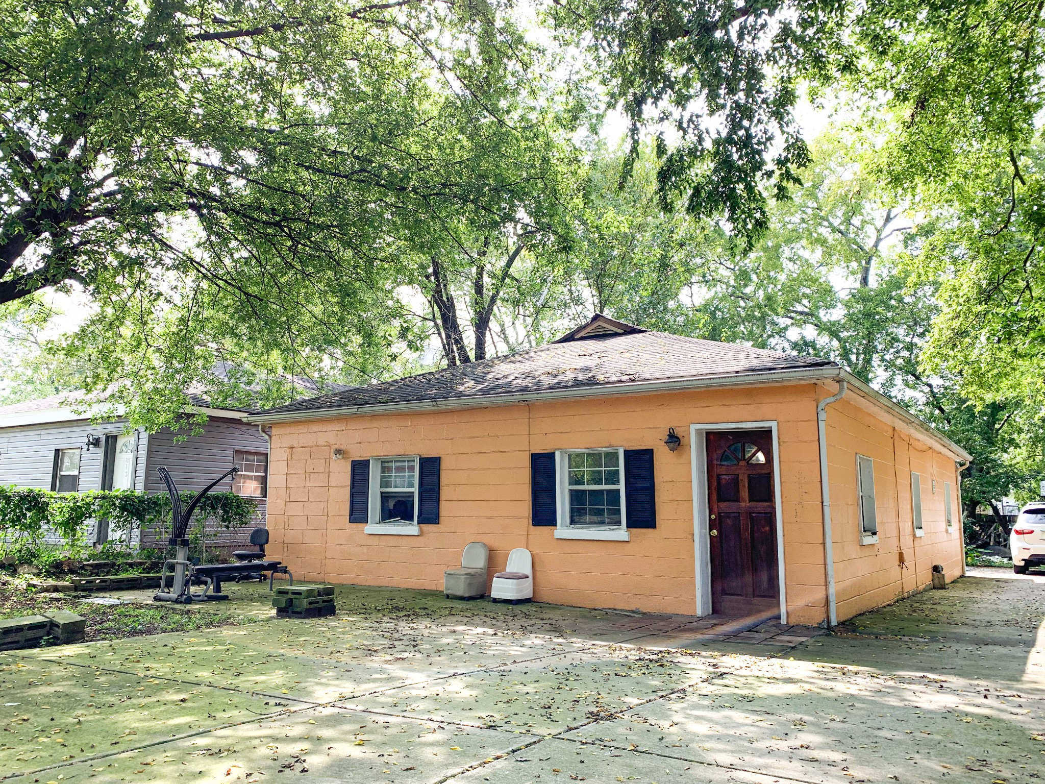 Great Opportunity for an Investment property/first time home buyers! 3 Bed / 1.5 bath located in the heart of North Nashville! Just minutes away from downtown! Great area with New Construction all around! Property is being sold as-is, seller to make no repairs. Refrigerator, Washer/Dryer to remain.