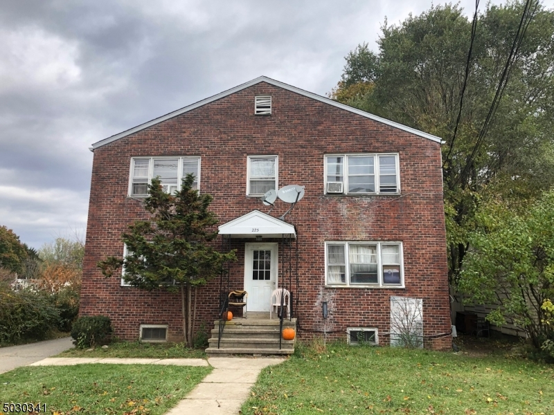 4 residential unit building with on site parking. Each unit has 2 bedrooms and 1 full bath. Conveniently located close to downtown Hackettstown.