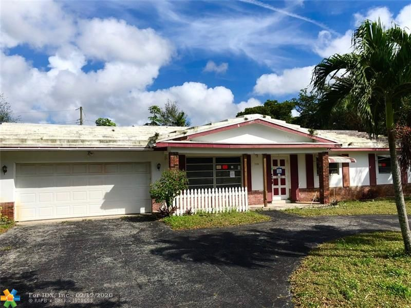 Super Spacious Single Family Pool Home in the popular Mirror Lakes Estates community of Plantation. Corner Lot Home with a Poolside Screen Enclosed Patio and Large Fenced Lot. This home features a Formal Dining Area, a Living Room and a Family Room. There is also a Laundry Room, a Separate Utility Room and a 2-Car Garage. PLEASE NOTE Buyer has to assume FINES and VIOLATIONS. Cash Only. This is a Fannie Mae Homepath Property!