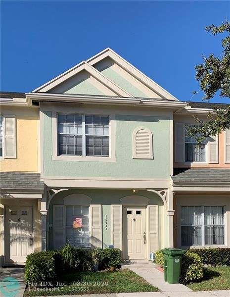 GREAT 2 STORY 2/2.5 TOWNHOME WITH VIEWS OF THE LAKE AND BOTANIKO. TOWNHOME LOCATED IN THE PRETIGIOUS COCONUTS BY BONAVENTURE. TILE FLOORS DOWNSTAIRS AND CARPET UPSTAIRS. FULL OF POTENTIAL. SCREENED IN PORCH. ASSIGNED PARKING AND PLENTY OF GUEST PARKING. GREAT FOR INVESTORS - NO APPROVAL FROM HOA AND RENT IN FIRST YEAR. LOW HOA FEES. ALSO GREAT FOR FIRST TIME HOME BUYERS OR FAMILIES WITH CHILDREN - A+ SCHOOLS. ENJOY AMENITIES FROM BONAVENTURE TOWN CENTER FOR $285/YEAR MEMBERSHIP FEE.