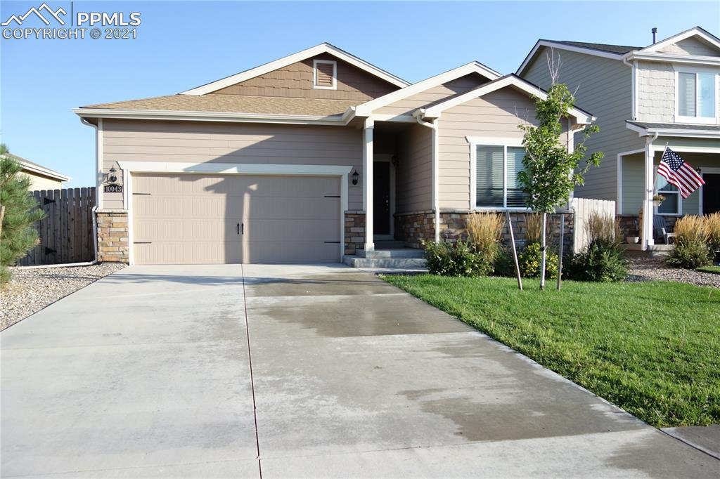STOP THE CAR!  Rancher that is ready for you to move in!  This beautiful Ranch home features a large open floor plan, 3 bedrooms and  2 full bathrooms, energy efficient appliances, spacious countertops, attractive wood cabinets and a large laundry/mud room off the garage.  The master suite has a large walk-in closet, the yard is fully landscaped and fenced.  Don't let this one pass you by!