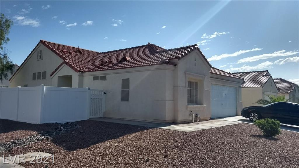 One story home in North Las Vegas with 3 bedrooms and 2 full bathrooms. Corner house on almost 7000 sqft lot in a gated community with low HOA monthly fee and 3 little parks for your enjoyment. Short walking distance (0.8 miles) to Don E. Hayden Elementary School and Legacy High School.