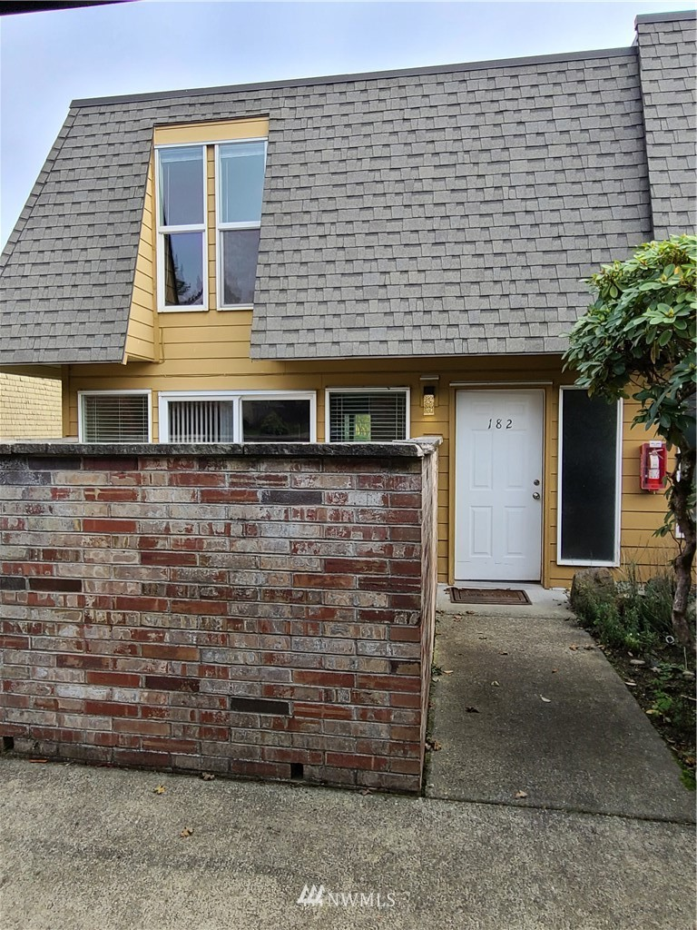 Wonderful opportunity to own a Townhome in Normandy Park. Close to Marvista Elem & Marvista Park. This 3 bedrm, 2.5 bath home w/ some updates & features Hardwd flrs in the entry, Dining area & Kitchen. The master bedroom inc a 3/4 bath & walk in closet. The kitchen features granite countertops, stainless steel appliances & a gas range. The living rm is spacious & includes a gas fireplace. New carpet in LR, Bedrms & stairway. 2 covered parking spaces, club house & pool nearby. Lot A Beach Rights
