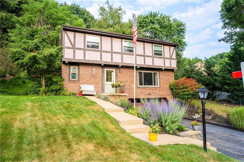 102 Kinsdale Dr, Ross Twp, PA 15237