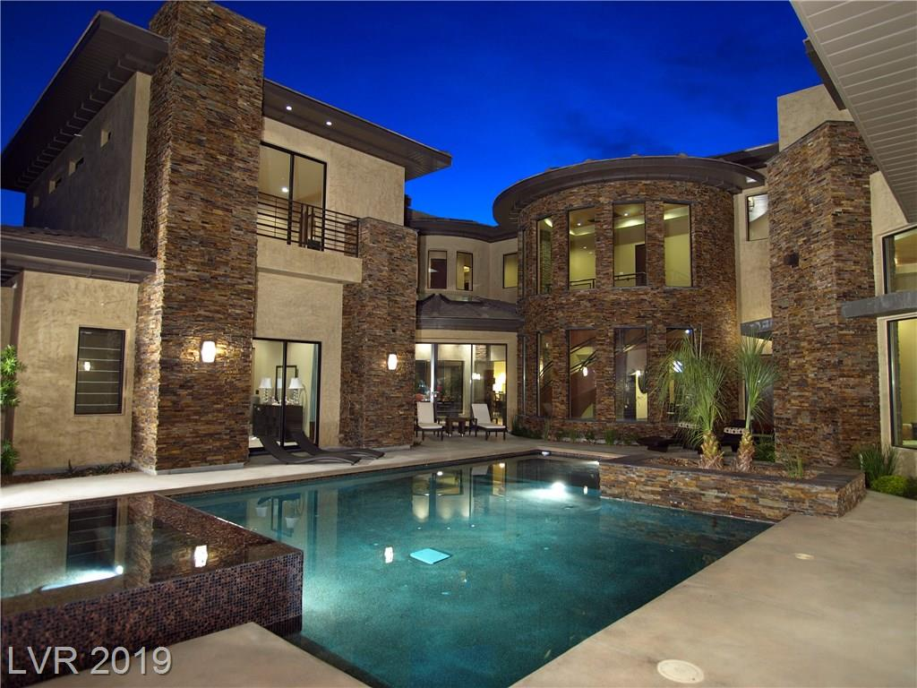 17 SOARING BIRD Court, Las Vegas, NV 89135
