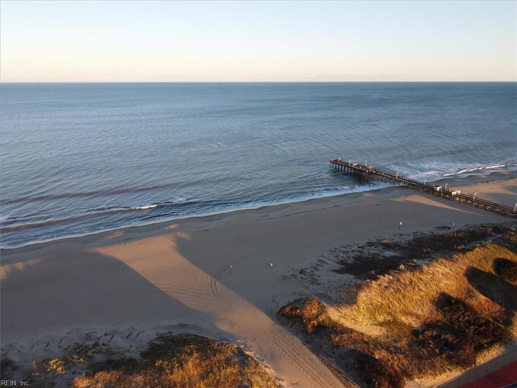 3738 Sandpiper Road 424B, Virginia Beach, VA 23456