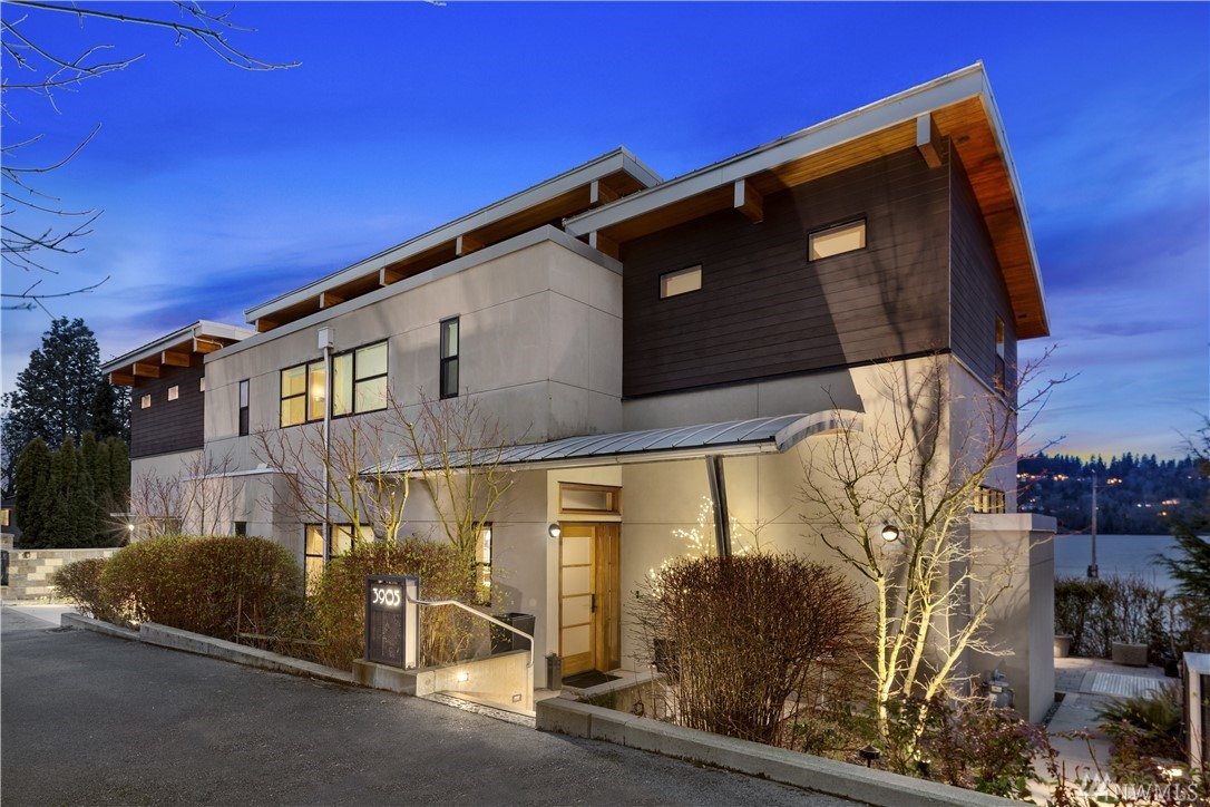 "Baylis Architects designed multiple luxury homes affectionately known as Eagle Cove; each home independent of the others on low maintenance parcels, yet collectively stunning. ""Eagle's Landing"" is considered the most Iconic of the Cove. The widest expanse of waterfront w/private moorage & slip accommodating up to a 70' vessel. Inspired by 180degree vistas from nearly every room; a boastful open floor plan is as rich w/opulence, decadent warmth & idle comfort as the cherished history is long."