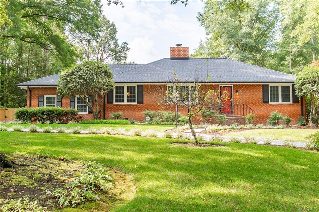 THIS IS THE ONE YOU HAVE BEEN WAITING FOR! METICULOUSLY CARED FOR AND RENOVATED RANCH STYLE HOME SITUATED ON ALMOST AN ACRE WITHIN WALKING DISTANCE TO THE JAMES RIVER! Living room with hardwood floors and wood burning fireplace.  Dining room open to the living room with exquisite chandelier. Chef's kitchen with custom cabinetry, gas cooking, stainless steel appliances, quartz countertops, recessed lighting, and large breakfast bar open to the family. Family room with wood burning fireplace, custom built in bar/beverage area, recessed lighting, and access to the screen porch. Spacious 1ST FLOOR MASTER BEDROOM! Two additional bedrooms on the first floor. Loft/study off of the 2nd bedroom with so many possibilities. Amazing laundry/mud room with direct access to the back patio. Screen porch with all new screen and freshly painted looking out at the private, park like backyard. Other highlights include conditioned crawl space, new roof, chimney(s) rebuilt, new fence, new detached shed, irrigation system, new tankless hot water heater, new HVAC, new gutters and gutter guards, new windows, new doors, and new skylight. Convenient to restaurants and shopping!
