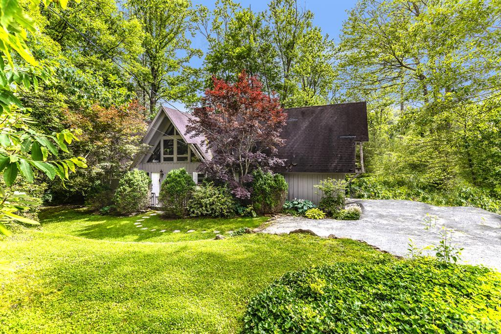 2780 West Club Blvd, Lake Toxaway, NC 28747