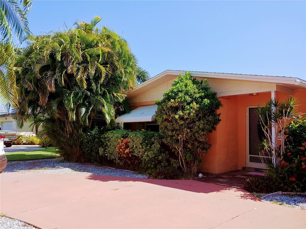 4015 Royal Palm Drive, Bradenton, FL 34210
