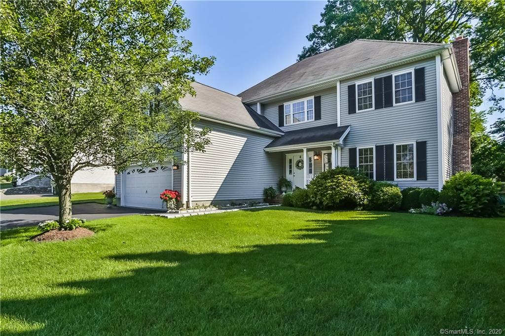 Beautiful 2 Story Colonial located in University Area. 9+ ceilings, bright open floor plan, 4 bedrooms, 2.5 baths. Chef's Kitchen with SS appliances/granite countertops, crown moldings, fireplace, master suite with bonus/sitting room & 2 walk-in closets. Private fenced backyard with blue stone patio and professional landscaped with irrigation system. Award winning schools, close to downtown, restaurants, shopping and beaches. A commuters dream location, easy access to I-95 & Merritt Parkway and Fairfield Metro Train Station. A must see!