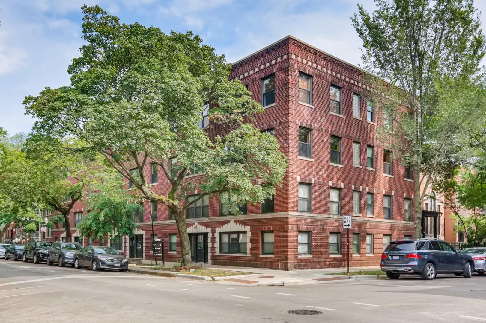 1255 W Roscoe Street 3, Chicago, IL 60657