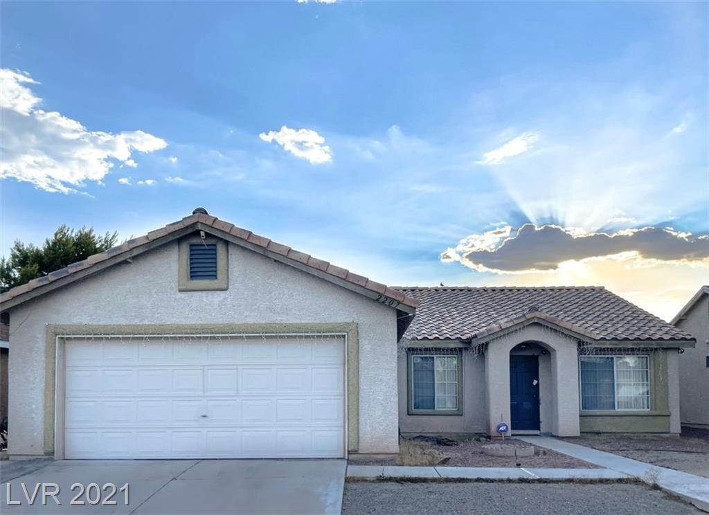 TENANT HAS MONTH TO MONTH CONTRACT. SINGLE STORY HOME WITHOUT CARPET, W/ WOOD LAMITE & TILE FLOORING THRU-OUT, PRIMARY BATHROOM WITH DOUBLE SINK w/ TUB & SHOWER COMBO, OVERSIZED SECONDARY BEDROOM, LARGE BACK YARD W/ BLOCK WALLS & COVERED PATIO, CLOSE TO TEXAS AND FIESTA CASINO. ALL APLIANCES INCLUIDED.