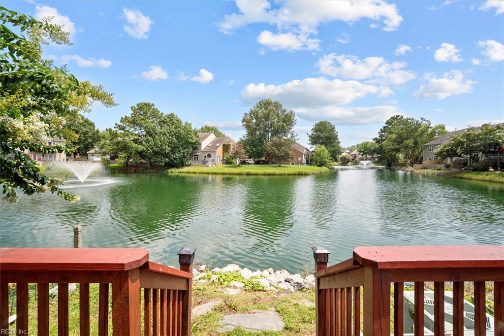 947 S Lake Circle, Chesapeake, VA 23322