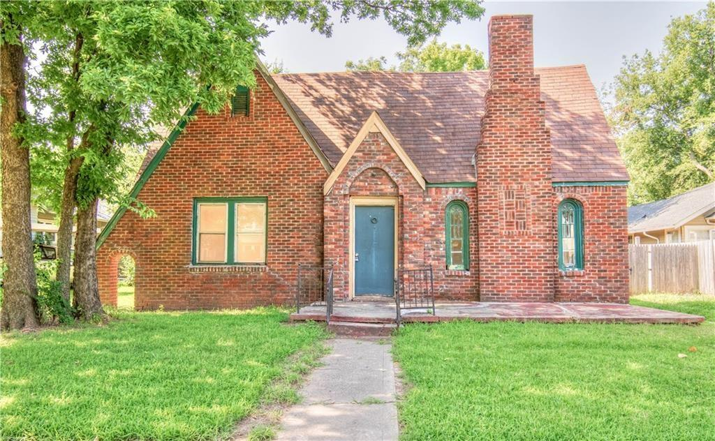 Home with incredible potential! 4 beds, 2 baths, large backyard and full of character. Within walking distance to campus, shopping and restaurants. This home can be a great investment property, or your own personal project. Needs TLC!