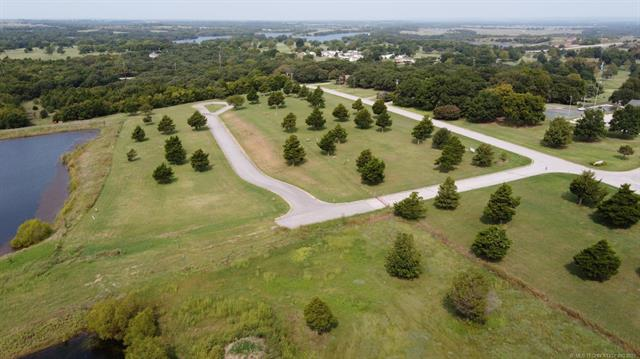 Country Club Road, Ardmore, OK 73401