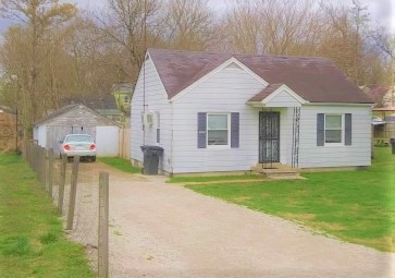 Great Home on a Pretty Street. Fenced Back Yard. Garage. Finished Wood Floors