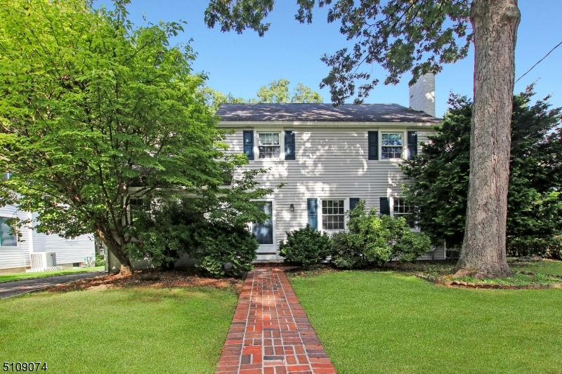 This spacious colonial is nestled on the locally famous Helen St. The great backyard borders La Grande Park, which has something for everyone. It is a short walk to both Fanwood Train Station and all Downtown Fanwood has to offer. This home has endless potential with high ceilings, hard wood floors, multiple living spaces and a basement ready to make your own. Come see this diamond in the rough in the heart of Fanwood!