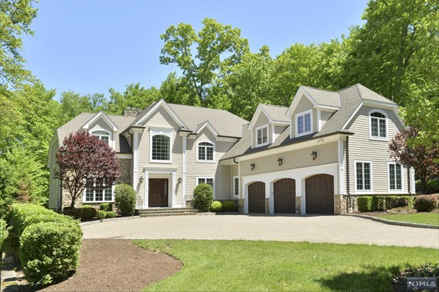 Picture Perfect Setting, Saddle River, NJ 07458