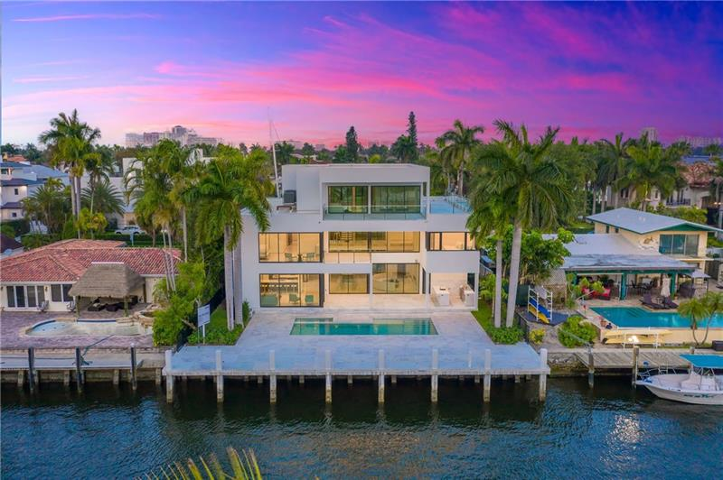 Beautiful modern home under construction in Las Olas! This three-story estate features water views, an eat in kitchen, all en-suite bedrooms, walk-in closets and an elevator. Perfect for entertaining with an open floor plan, nice backyard area and pool. 75' of water frontage, quick and easy ocean access. Located close to fine dining, shopping and the FTL-Hollywood International airport. PLEASE VISIT: 511IsleOfCapri.com