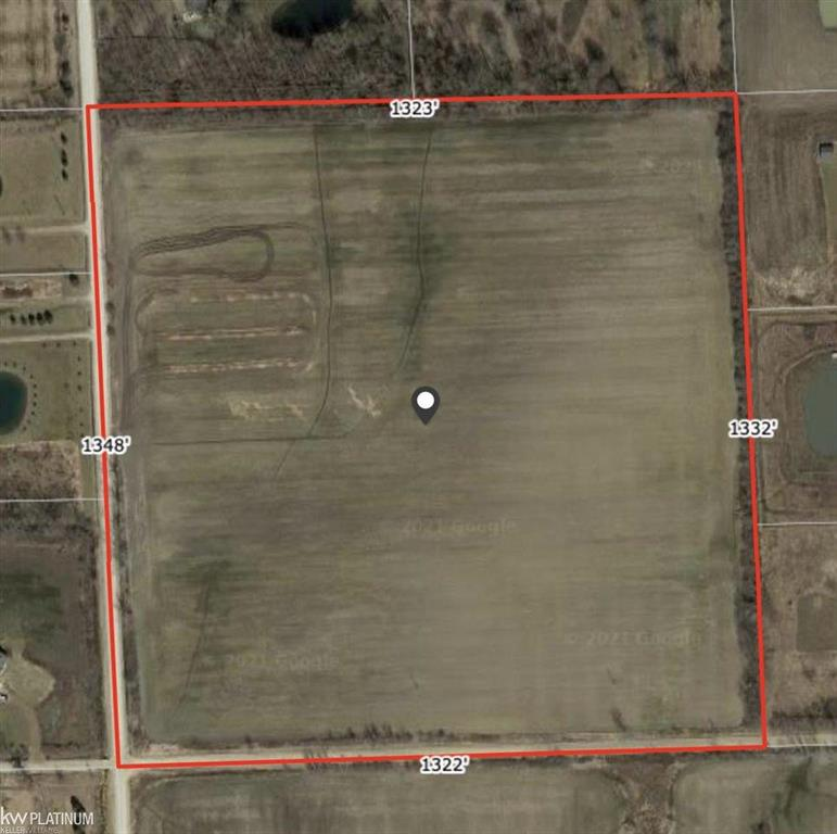 Square 40 acre lot with up to 4 possible splits. Field is partially tiled.