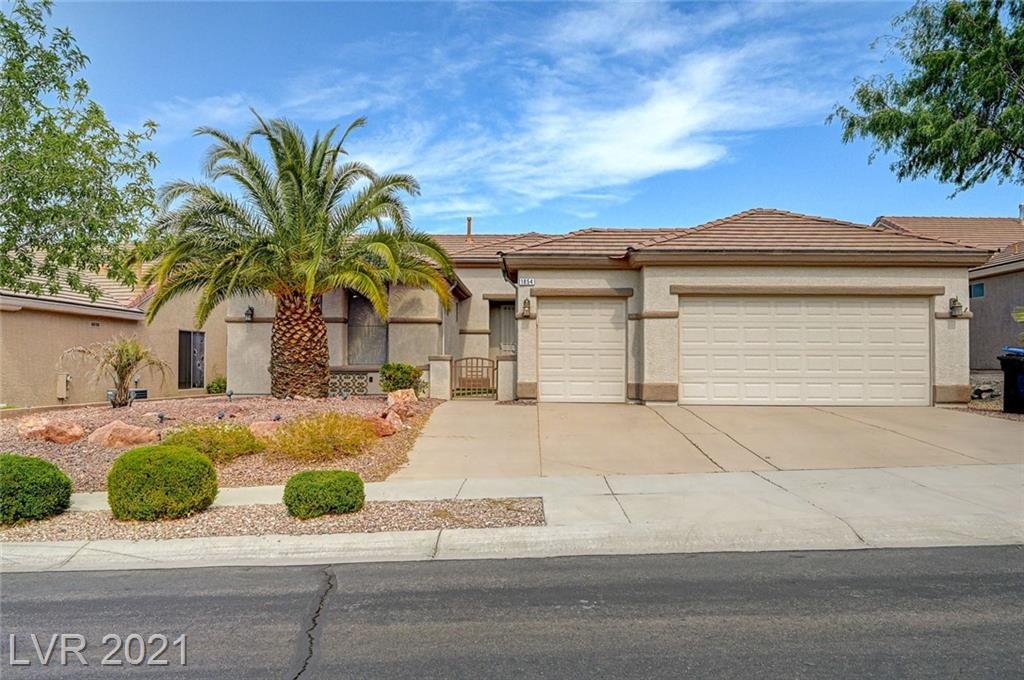 Remarkable four bedroom two bathroom single story in Sun City Mcdonald Ranch! Classy improvements include premium flooring, upgraded kitchen counters & cabinets, contemporary bathroom amenities and much more - stop in and tour for yourself today!
