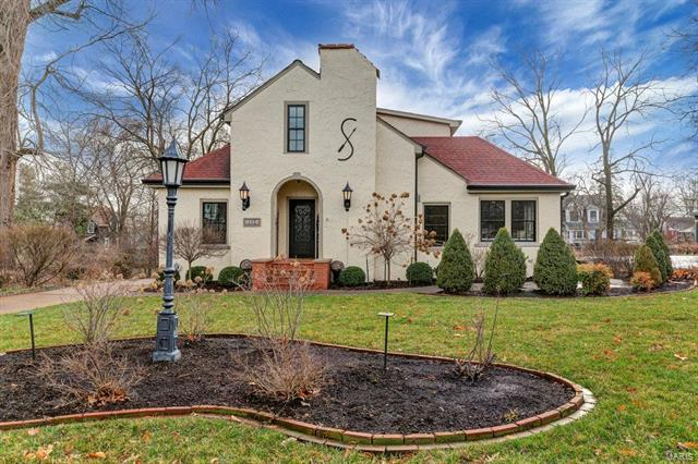 332 N Bompart Avenue, Webster Groves, MO 63119
