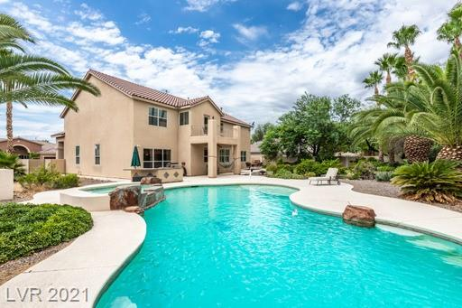 THIS 5-BEDROOM, 4-BATHROOM HOME HAS PLENTY ROOM COVERING OVER 4,000sqft. IT FEATURES A BEAUTIFUL GRAND ENTRANCE, AN EXQUISITE KITCHEN WITH GRANITE COUNTERTOPS (ALL APPLIANCES INCLUDED) AND A 3-CAR GARAGE. COME ENJOY A BEAUTIFUL PRIVATE POOL OR RELAX ON A BALCONY OVERLOOKING A SPACIOUS BACKYARD.