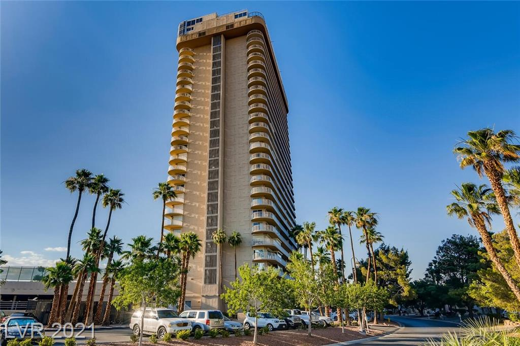 AWESOME CITY &GOLF COURSE VIEWS!! Great Unit on 11th Floor of Regency Towers with views from every room! Spacious 2 Bdrm & 2 Bth. Full Length balcony. Granite Counters in Kitchen, Nice Bar area off Living Room for entertaining. Residents enjoy Pool, Tennis and Concierge services.