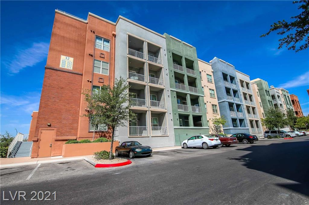 Stunning 1bdrm condo on 3rd floor at fabulous, guard gated, Manhatten community.  This condo is being sold beautifully furnished and including all appliances. Tenant occupied until 7/2022.  This community has it all...pool, spa, tennis courts, fitness center, basketball and volleyball.