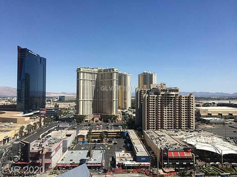 Magnificent East one bedroom unit in Veer Towers. Amazing strip view. Minutes away from the high-end shopping centers & restaurants. Top roof amenities to suit your lifestyle. Bosch kitchen appliances, floor to ceiling windows, tile flooring. The only 100% residential building at city center. 