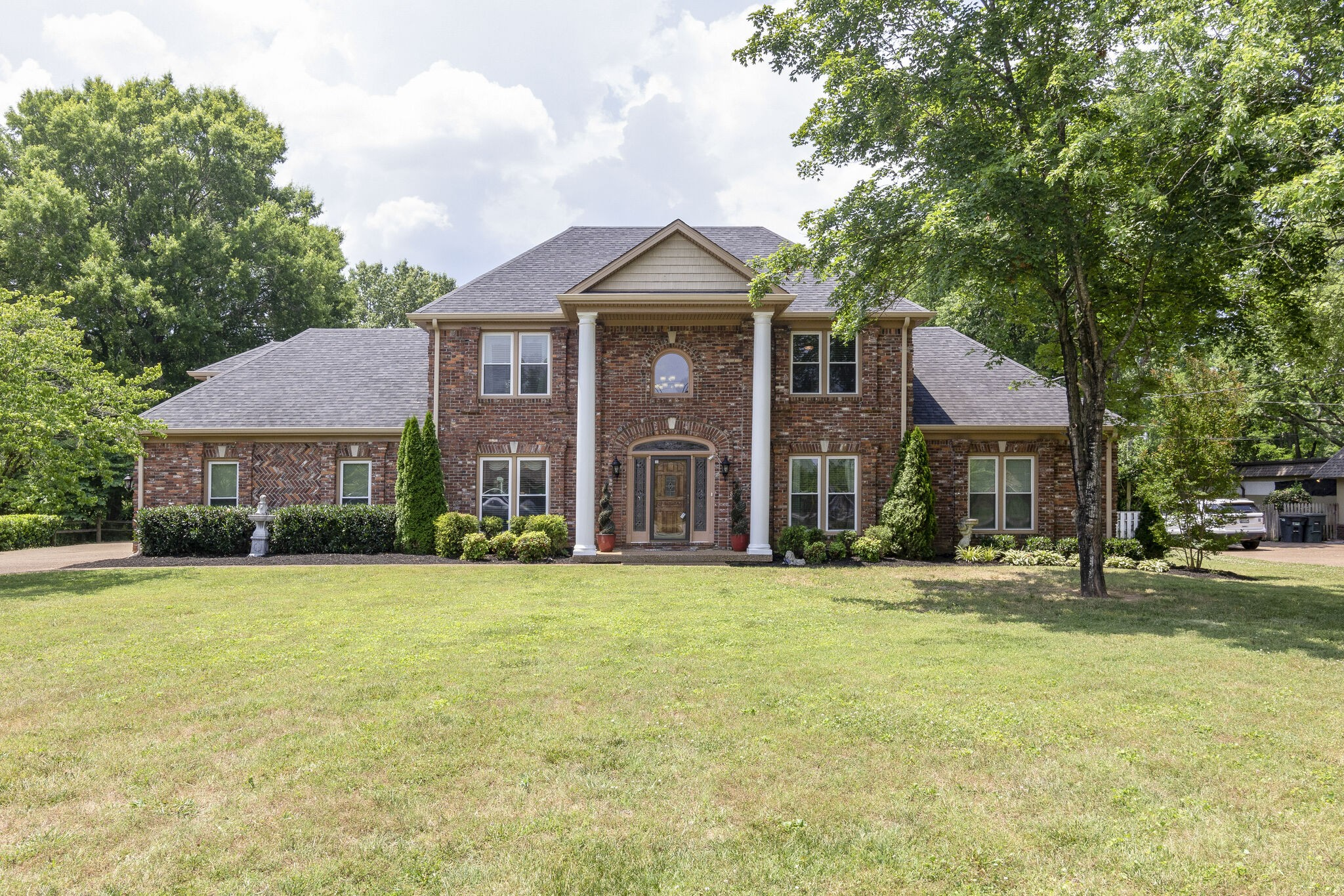 This executive home has all the wow factor! Spacious open floor plan home with large back yard and in-ground pool on nearly an acre lot. Large kitchen w/ walk in pantry, ss appliances, ex-large bar, island. Two master suites, upstairs/ downstairs. Two living rooms with fireplace in each, upstairs and  down, gazebo, in-ground pool w/ diving board, grapevines for privacy, and covered porch, bonus room over garage, formal dining room, large kitchen with pantry, and a spiral staircase in foyer.