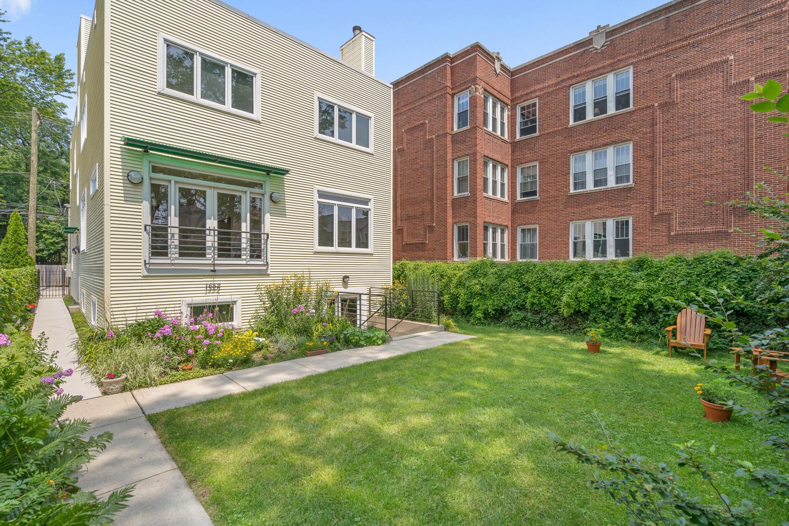 1652 W Edgewater Avenue, Chicago, IL 60660