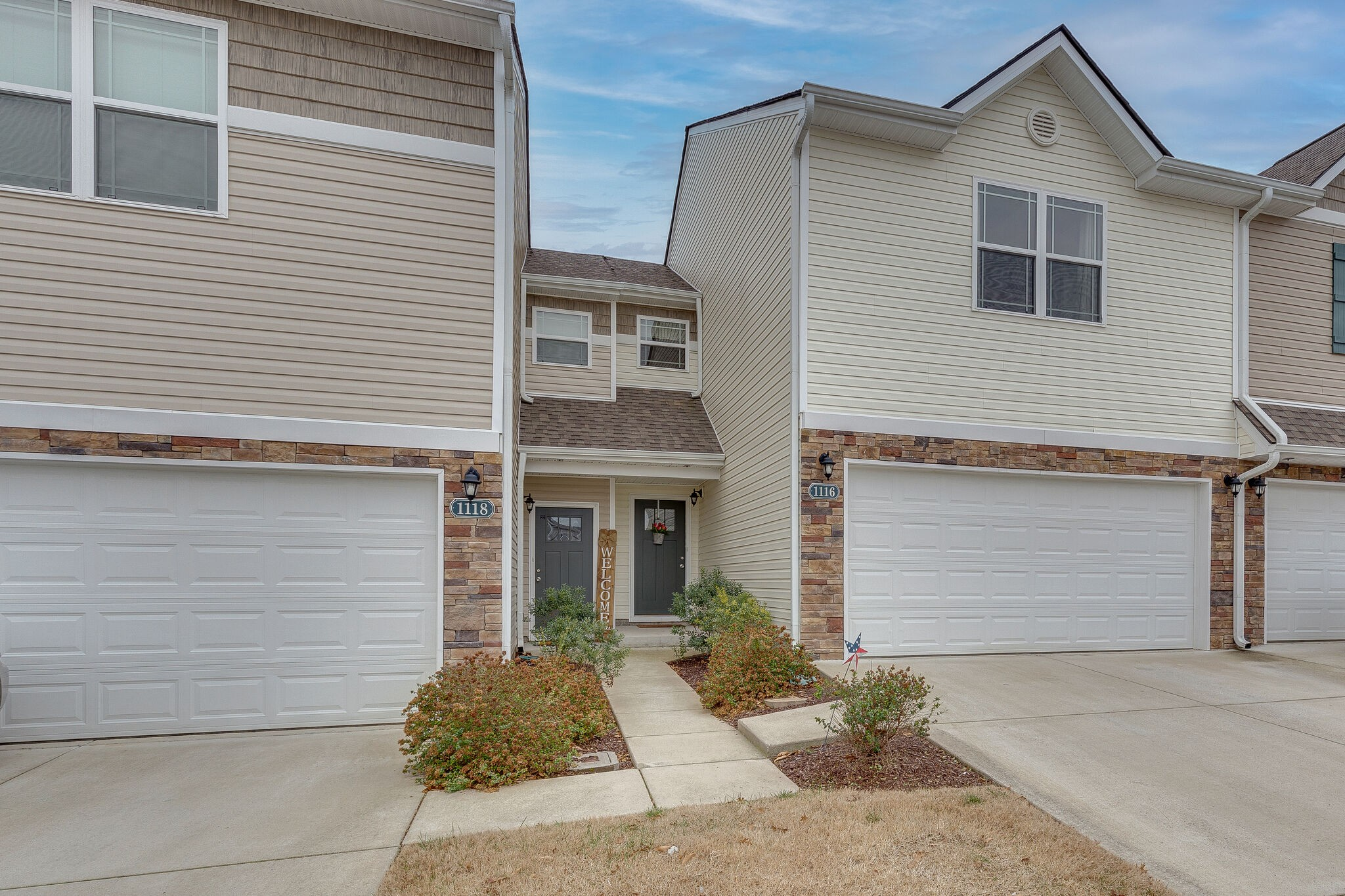 Move in Ready!! Beautiful 3 bdrm - 2.5 bath - 2 Car Garage - Outdoor Patio with Lots Of Common Area In Back. NEW Vinyl Flooring on Main Level.  Featuring An Open Floor Plan, Granite, Stainless Appliances & NEW Back Splash. Fresh Paint, New Light Fixtures, Loft upstairs. Master Bathroom New Barn Style Door.   Amenities Pool, Club House, Playground and Workout Room. Easy Access to Interstate, Shopping, Restaurant's & Much More.