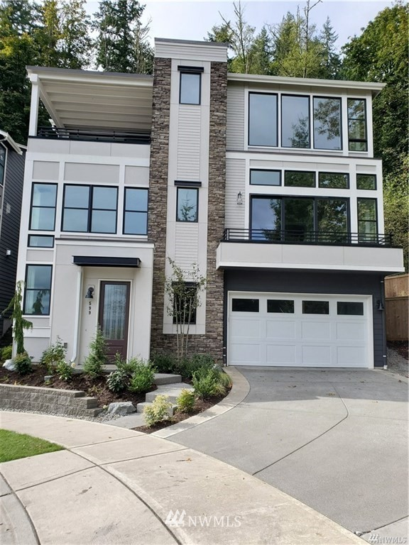 451 Foothills Drive NW, Issaquah, WA 98027