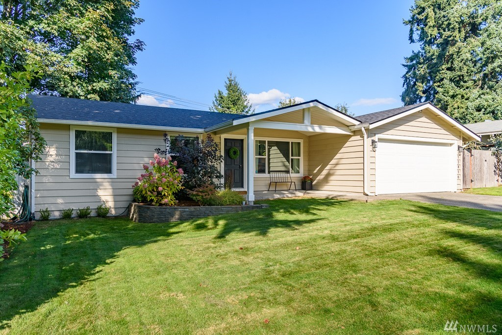 Thoughtfully remodeled rambler with a tasteful aesthetic + fresh attitude! Stunning kitchen w/ custom cabinetry + massive Quartz island for friends to gather. Unbeatable locale on the cusp of Bridle Trails; central to downtown Redmond & Kirkland. Speedy commute to major tech hubs. Quiet cul-de-sac; walk to coffee. Secret basement theater room. New roof, furnace, H20 tank, plumbing & more. Sonos whole-house sound, wifi sprinkler, in-wall iPad control center, fiber internet. She's cute AND smart.