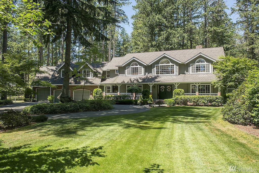 Rarely found opportunity to own a property with lifestyle versatility on 2.4 acres in the heart of Sammamish. Privacy, ideal floor plan, expansive kitchen, Thanksgiving size dining, home office, four bdrms, huge bonus, oversize 3 car garage, sport court & more. Modern 2 story barn/outbuilding,MIL potential, equestrian fenced pasture w/2 gated entrances. Easy walk to Pine & Beaver Lakes, Starbucks, shops and three highly rated Issaquah Schools. Minutes to Redmond, I-90 or 520. Excellent property!