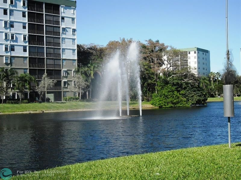 Welcome to Cypress Bend, the hidden jewel in Pompano Beach. Well-maintained complex, financially strong condo association. Cypress Bend offers a variety of amenities for the pleasure of it's residents. The proximity of major highways, banks, restaurants, shops, etc. makes it a very desirable place to live. Only 5 miles to Pompano's great beach. Minutes from the beautiful, new Cultural Center and from all the new restaurants on the beach. This unit is waiting for your offer. Priced to sell quickly. Condo association requires 670 credit score, $300 move-in fee. AS PER ASSOCIATION, NO DOGS PERMITTED.