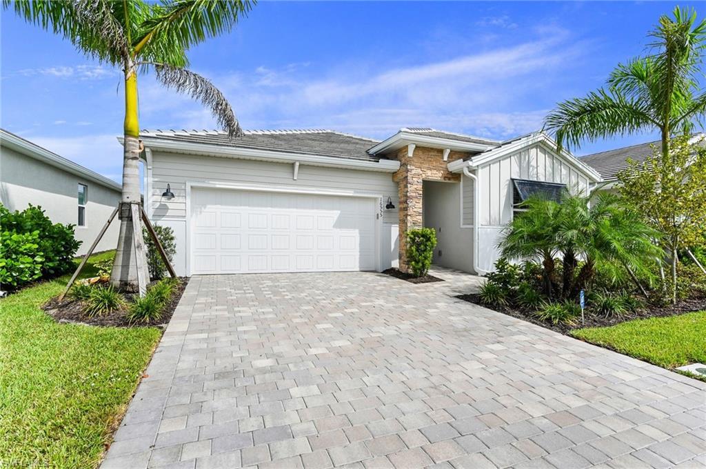 16555 Crescent Beach Way, Bonita Springs, FL 34135