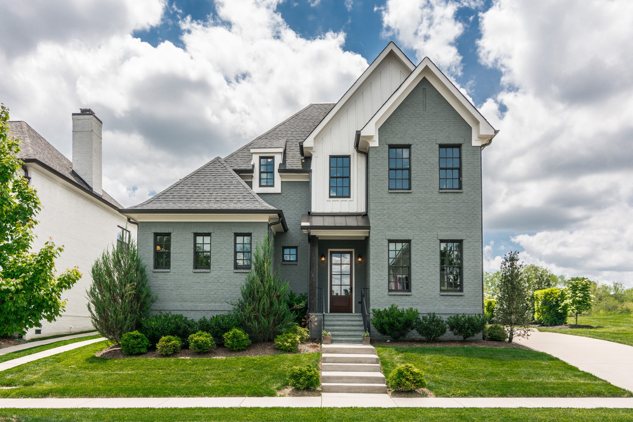 This home won't last long!! This stunning, custom home is built in this coveted, luxury cul-de-sac with only 13 homes!! Enjoy a one-of-a-kind neighborhood just down the street from Williamson County schools. This all-brick home is perfect for entertaining and features a large open kitchen with beautiful s/s appliances, two main-floor bedrooms,  gorgeous hardwoods, travertine tile, barn doors, a rear porch, tons of storage and lots more.  This home will exceed your expectations!