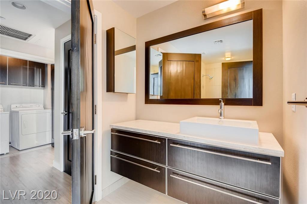 Gorgeous 2 bed, 2 bath, 3rd floor unit with mountain views. Luxury vinyl and porcelain tile floors. Granite counters in the kitchen and travertine in baths. Amenities include swimming pools, spa, gym, yoga and pilates area, 2 pet parks steam room, sauna, BBQ areas, firepits and various outdoor seating areas. 2 Subterranean parking spaces.