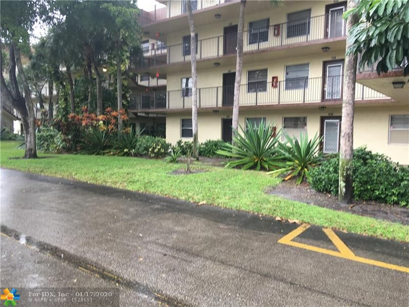 1 Bedroom 1.5 Bath on the 2nd Floor partially updated with long term tenant on one year lease which will expire on June 2020. Very good tenant who takes good care of the property and willing to stay . Good for investor or owner occupant. Motivated owner.